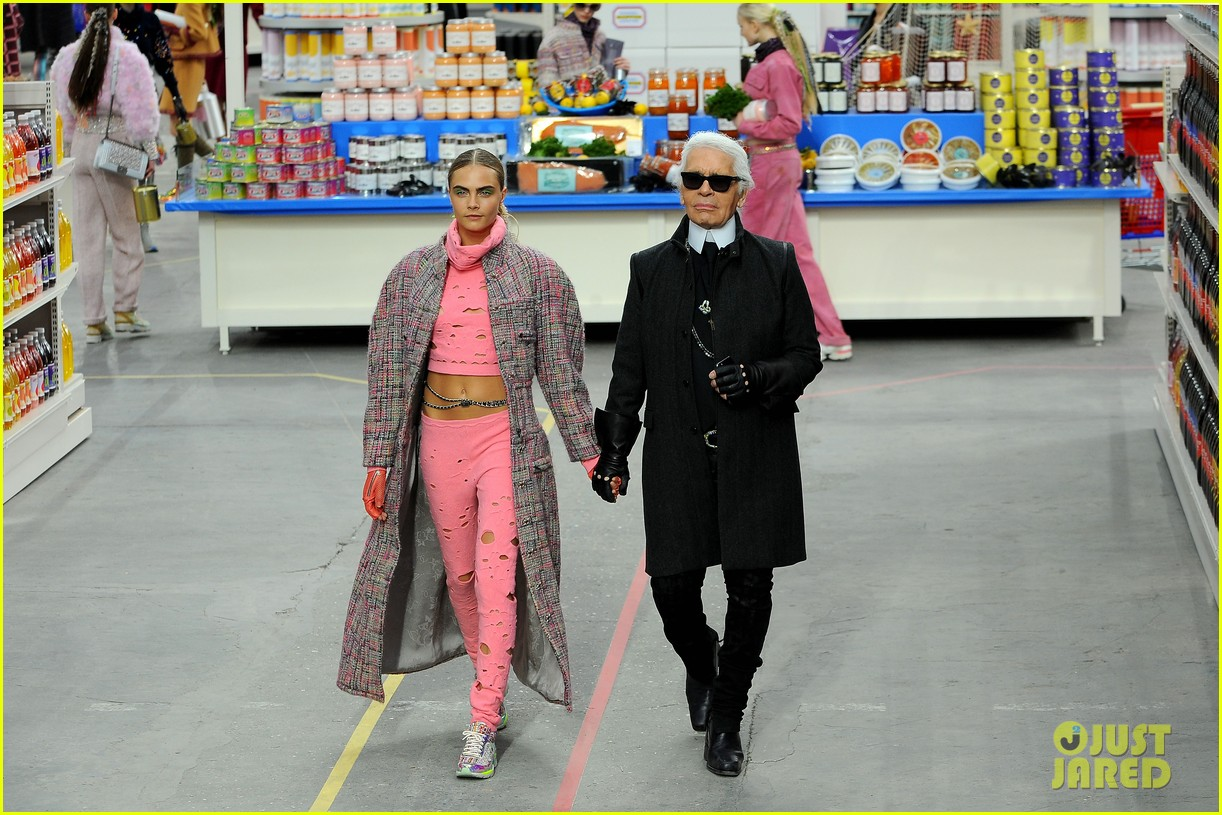 cara delevingne kendall jenner walk supermarket inspired runway at chanel show 11