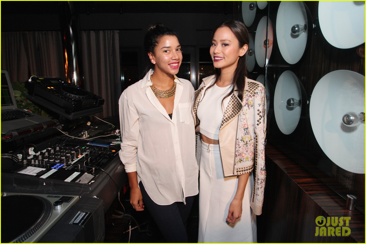jamie chung celebrates launch of flight song 023071039