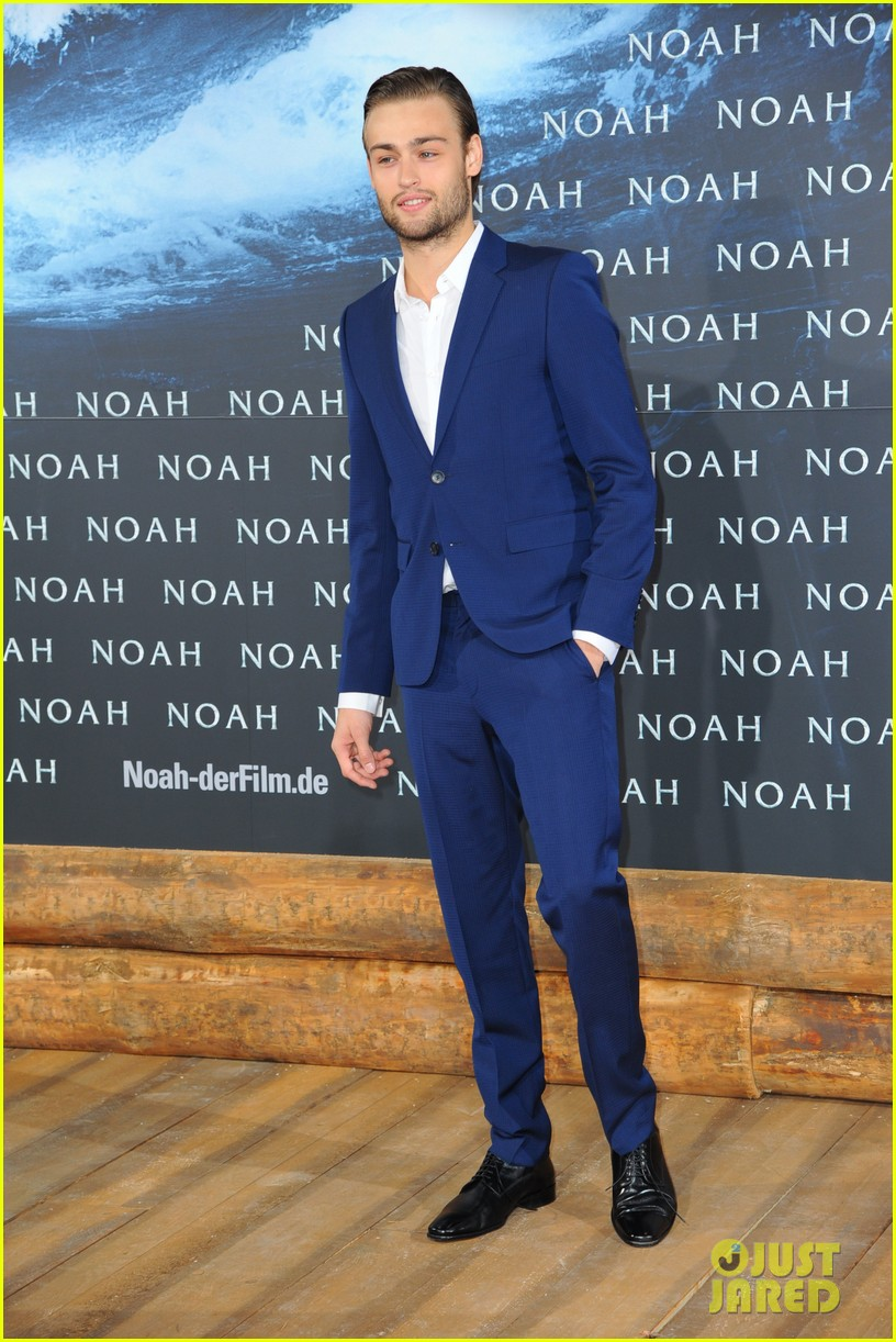 jennifer connelly douglas booth noah premiere in berlin 073071320