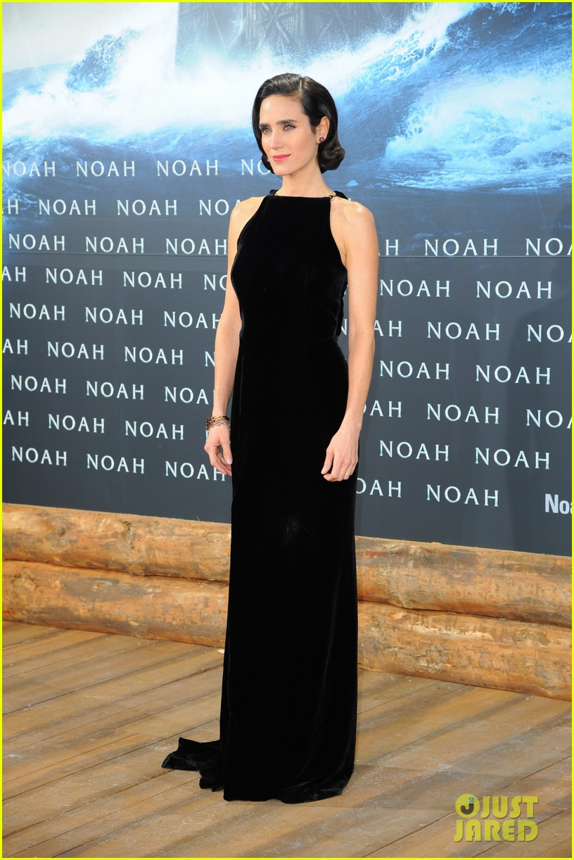 jennifer connelly douglas booth noah premiere in berlin 113071324