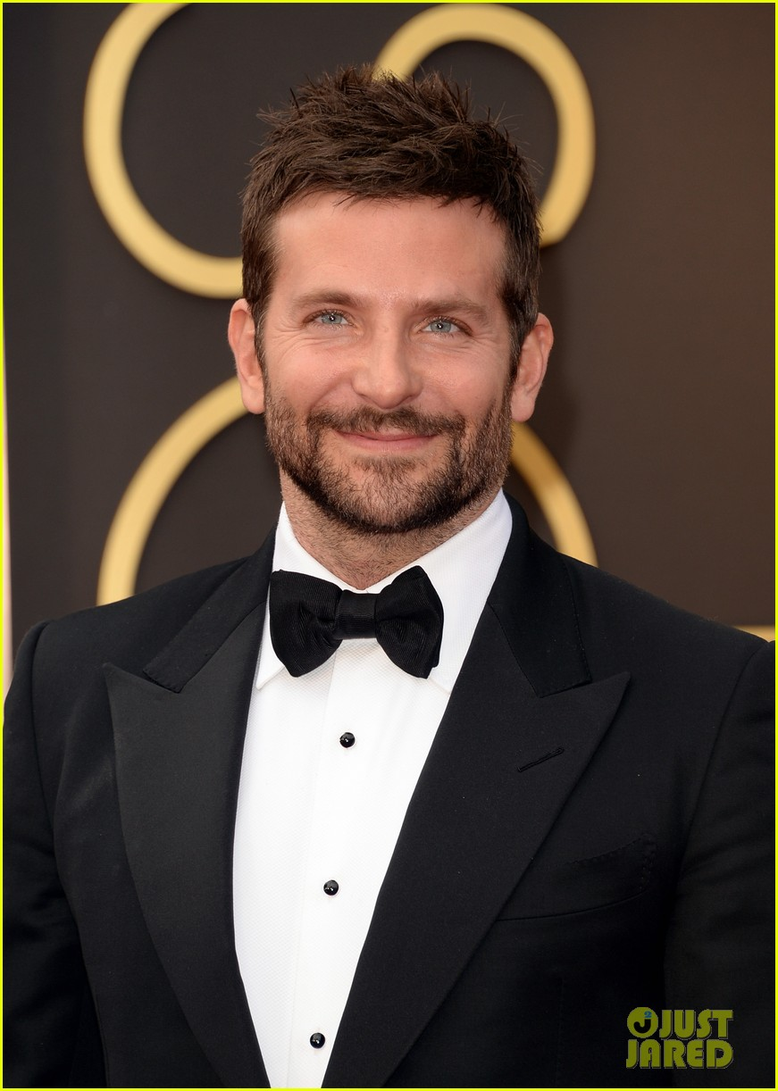bradley cooper oscars 2014 red carpet 01
