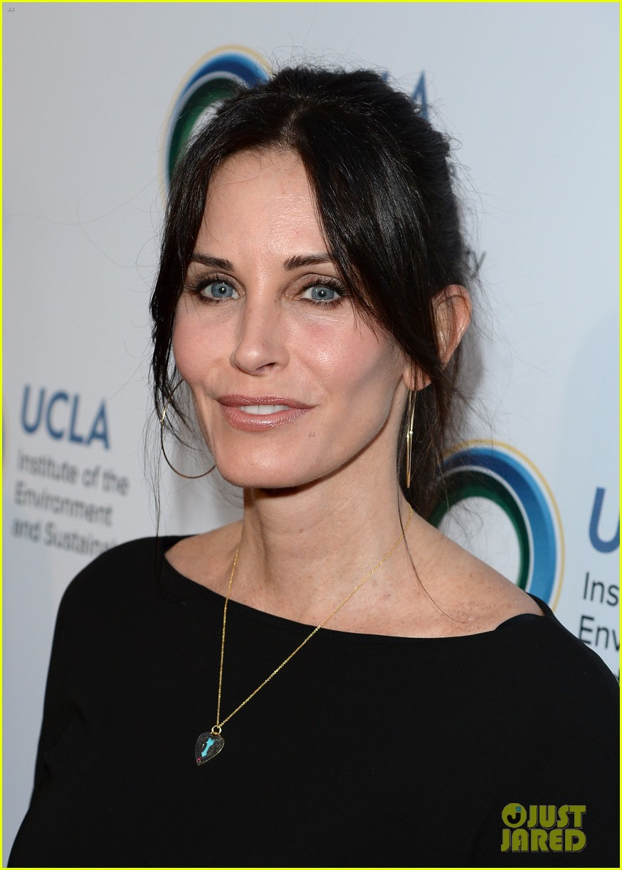 courteney cox boyfriend johnny mcdaid look so in love 15