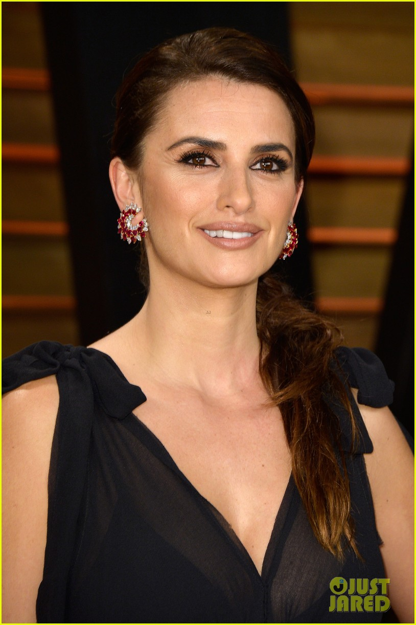 penelope cruz gets mistaken for salma hayek at oscars 2014 043064718