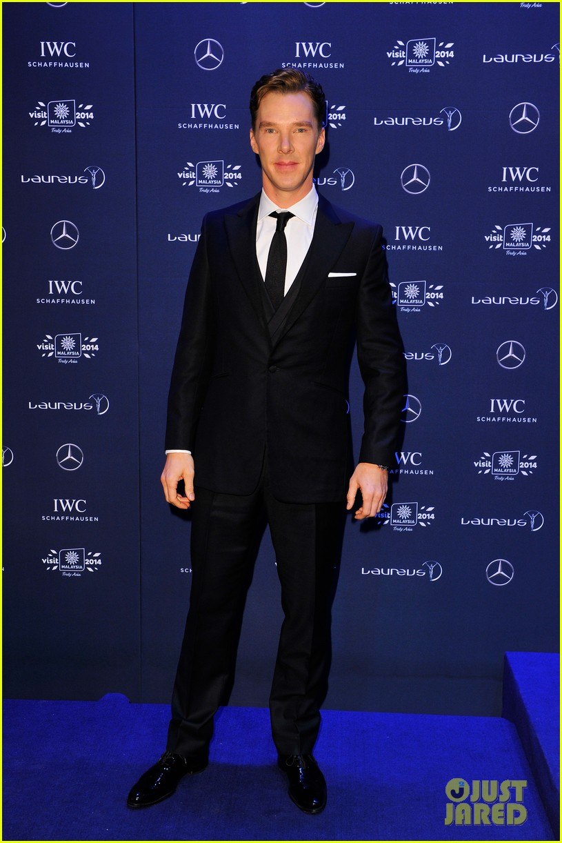 benedict cumberbatch looks mighty fine hosting sports award show 013078873