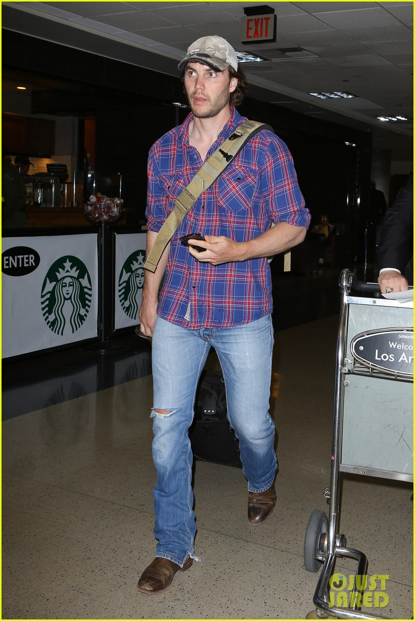 brooklyn decker taylor kitsch battleship reunion lax 12