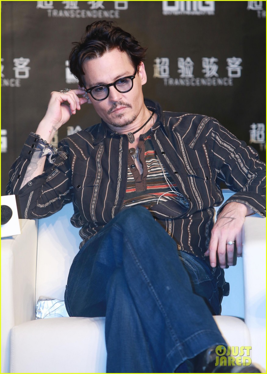 johnny depp confirms engagement chick ring 16