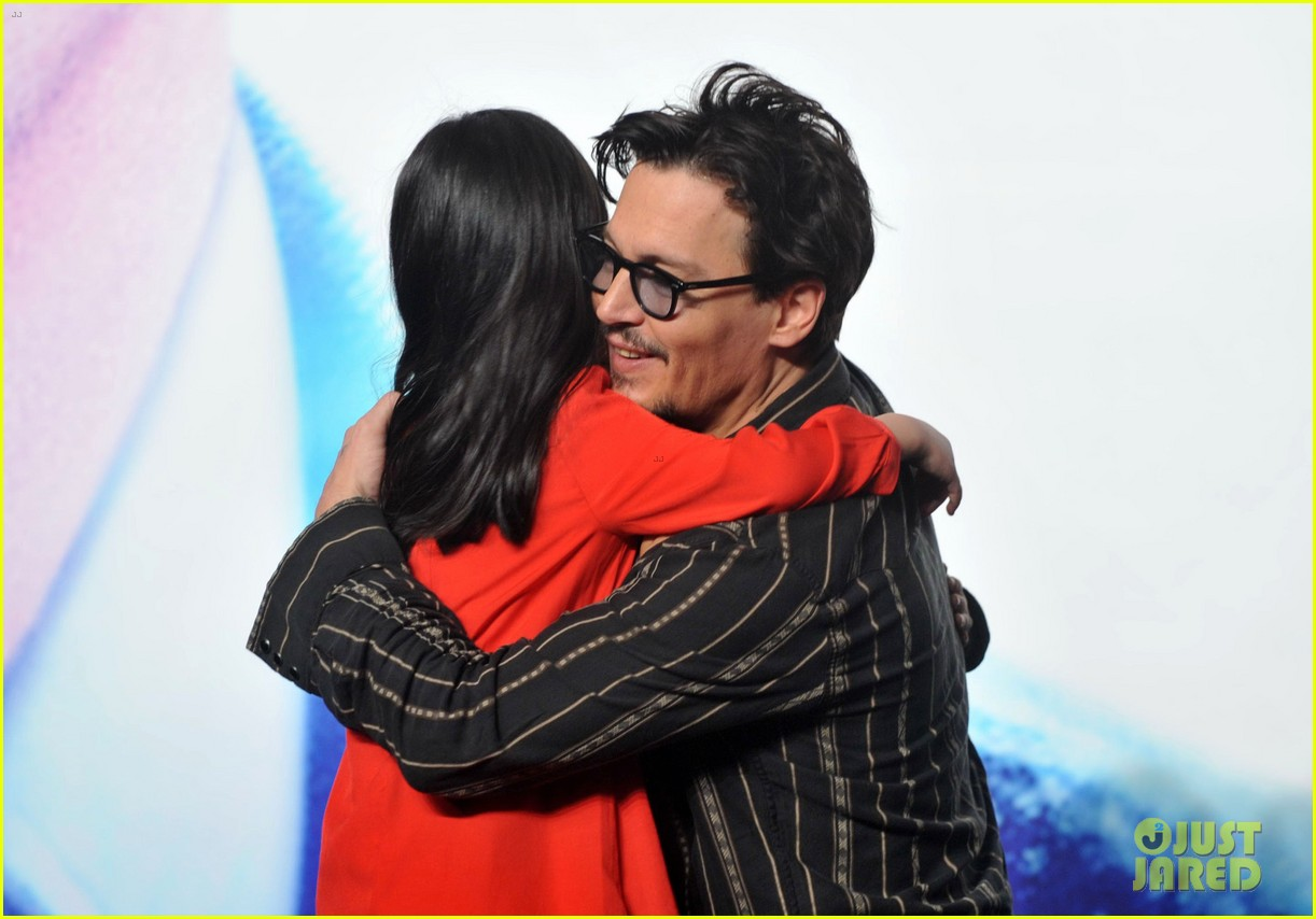 johnny depp confirms engagement chick ring 23