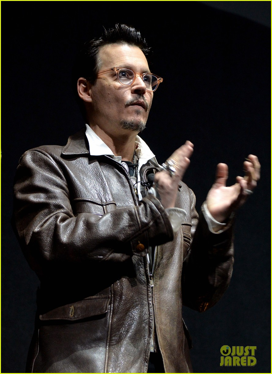 johnny depp cinemacon transcendence 093080067