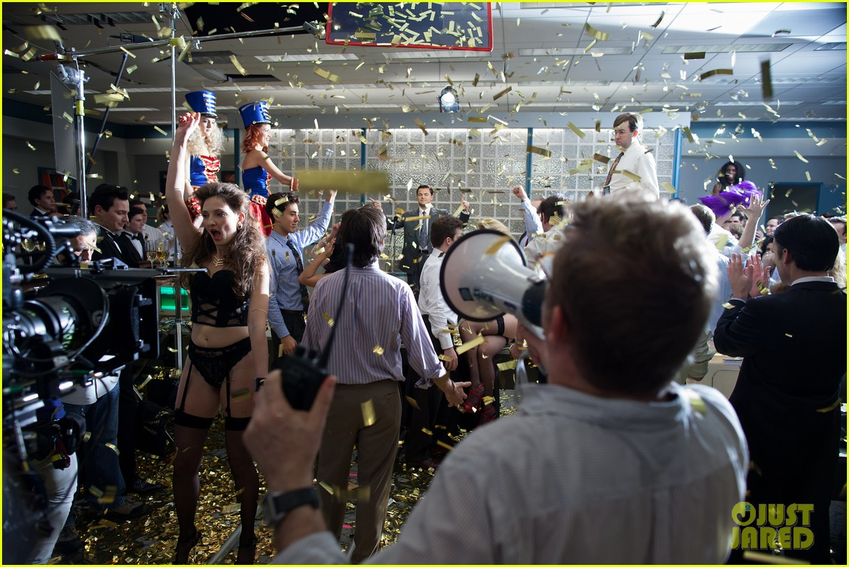 leonardo dicaprio wolf of wall street behind the scenes 043074547