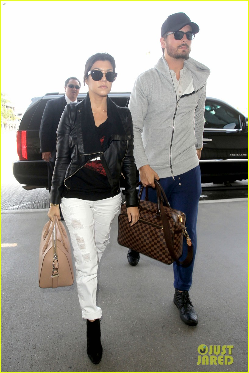 scott disick leaves little to the imagination 163077282