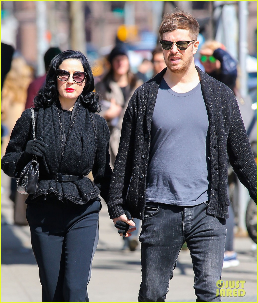 dita von teese holds hands with mystery man nyc 02