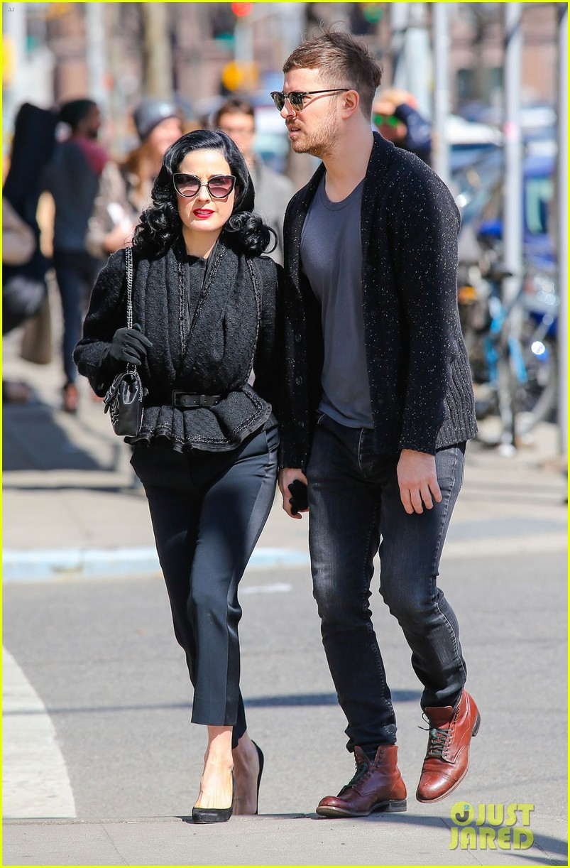dita von teese holds hands with mystery man nyc 09