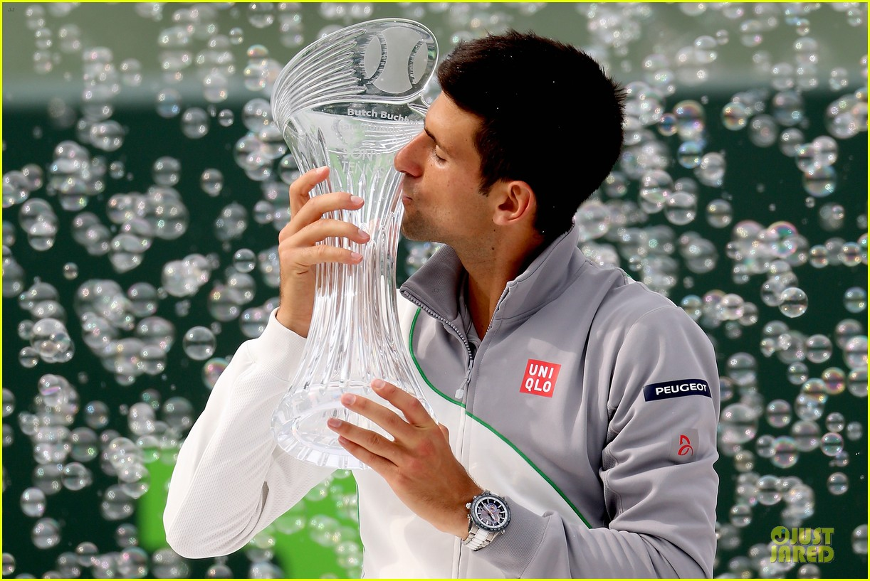 novak djokovic defeats rafael nadal for forth sony open win 02