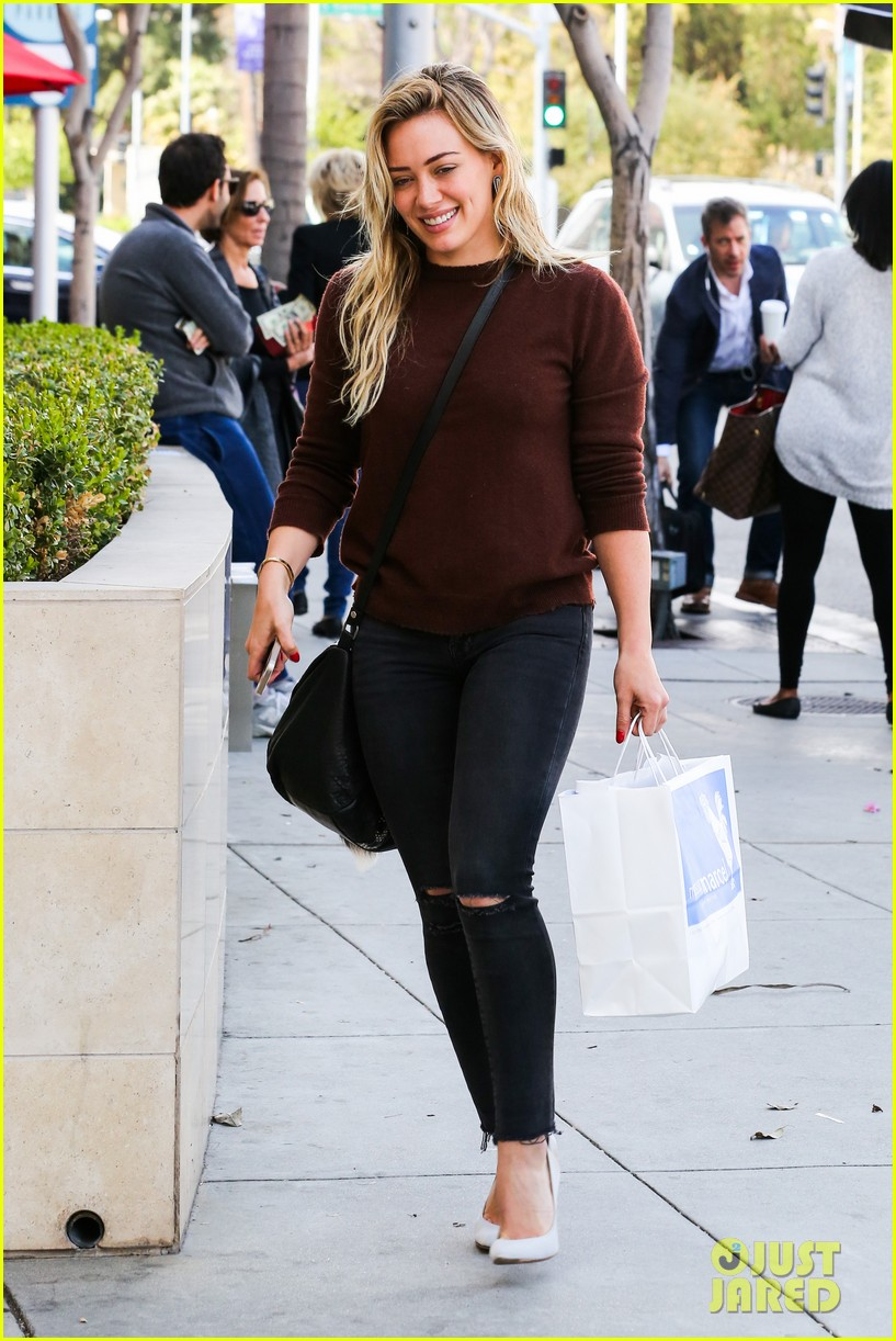 hilary duff reveals lyrics to upcoming new unreleased song 053079591
