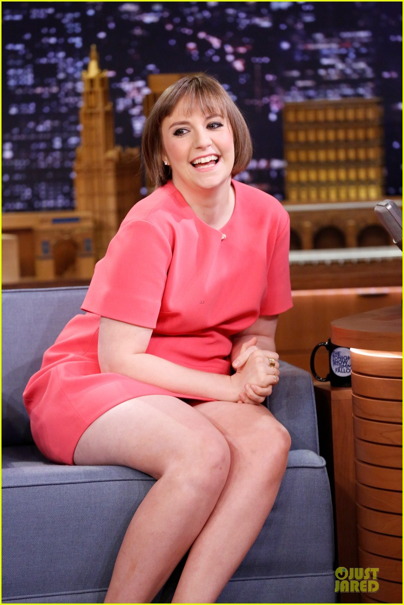 lena dunham hugh dancy play pyramid on tonight show 023074298