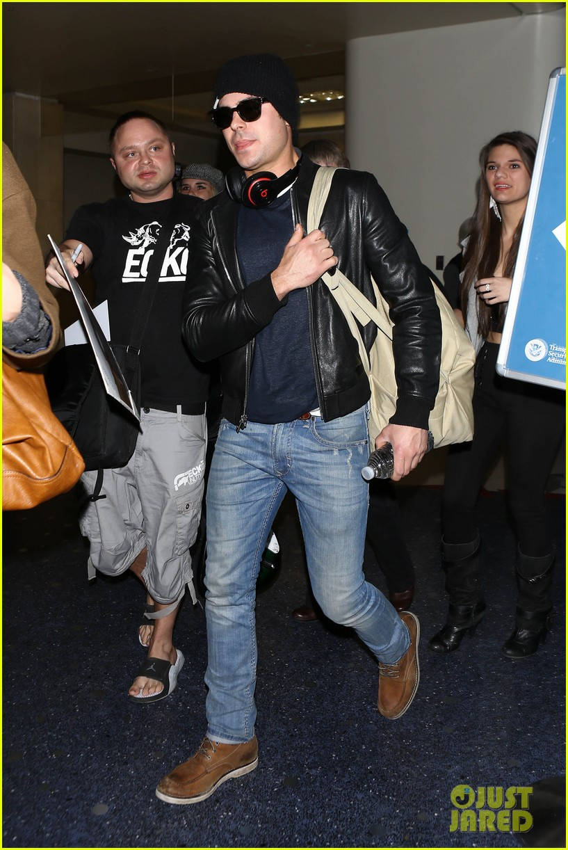 zac efron ashton kutcher fly out of austin after sxsw 08