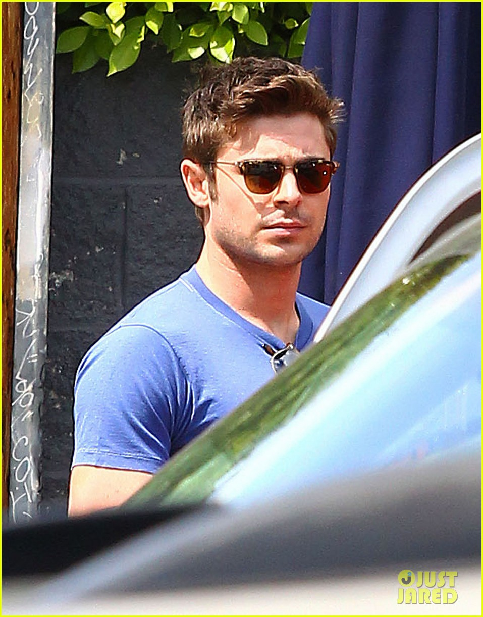 zac efron tight blue shirt 023082398