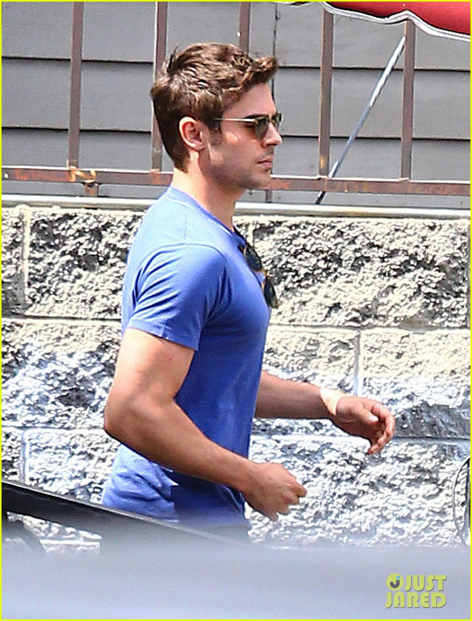 zac efron tight blue shirt 11