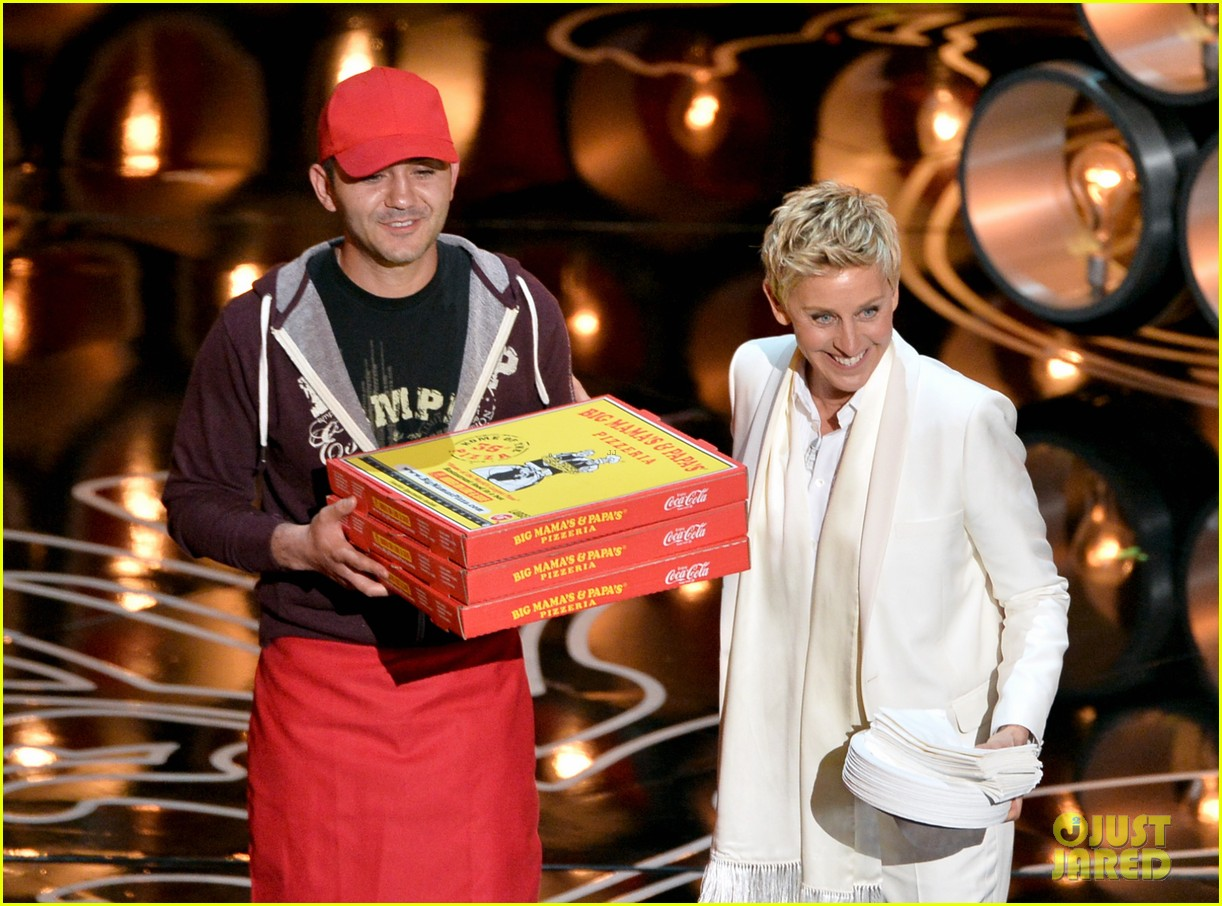 ellen degeneres serves pizza to celebs at oscars 2014 video 01