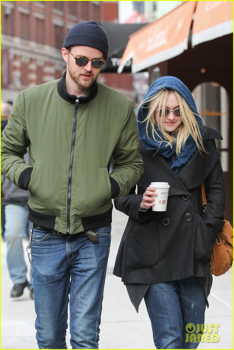 dakota fanning heading to nevada soon for new film 02