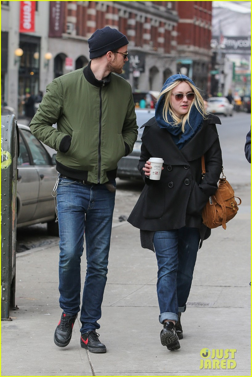dakota fanning heading to nevada soon for new film 033066740
