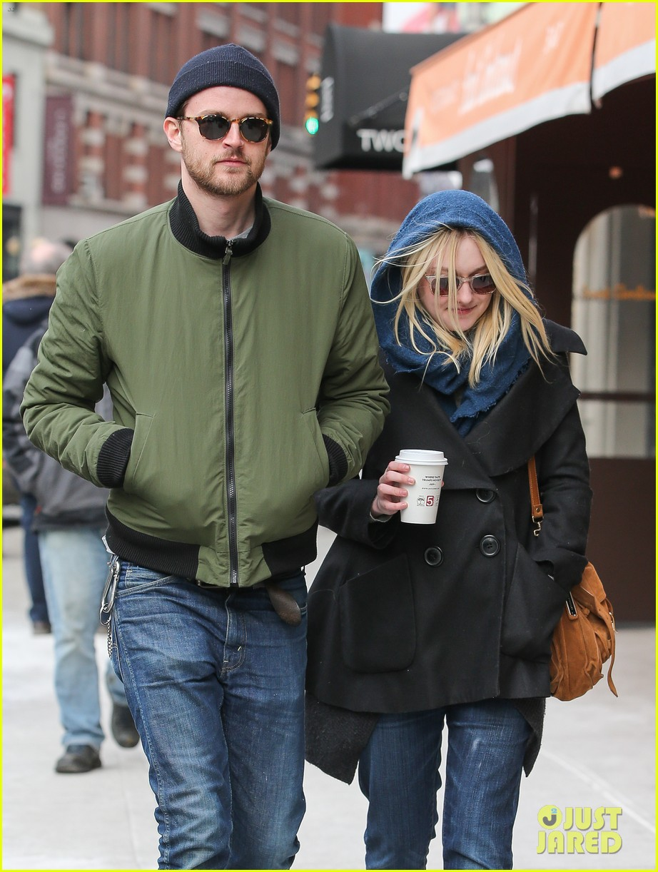 dakota fanning heading to nevada soon for new film 133066750