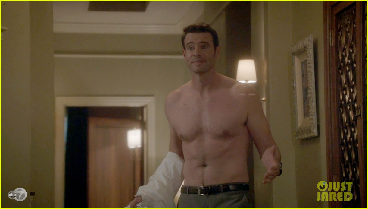 scott foley shirtless on scandal 01
