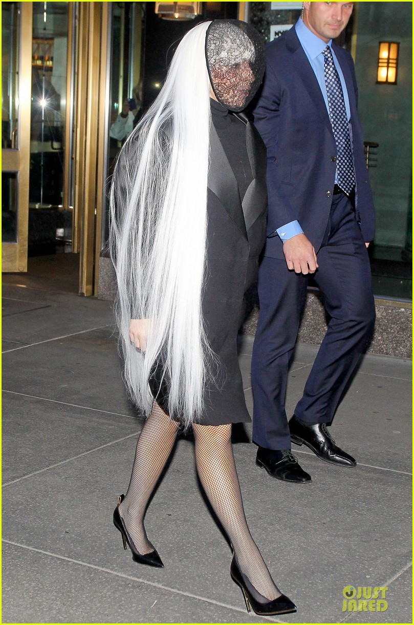 lady gaga beauty recognizable under veil 03