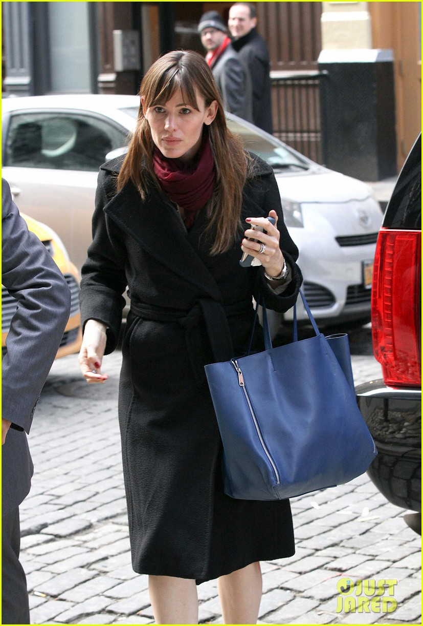 jennifer garner keeps bundled during new york city trip 153067091