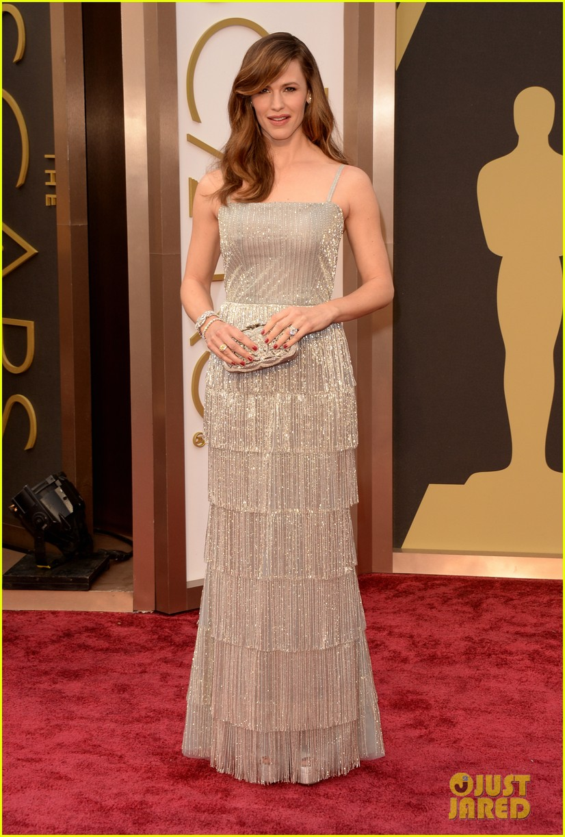 jennifer garner oscars 2014 red carpet 04