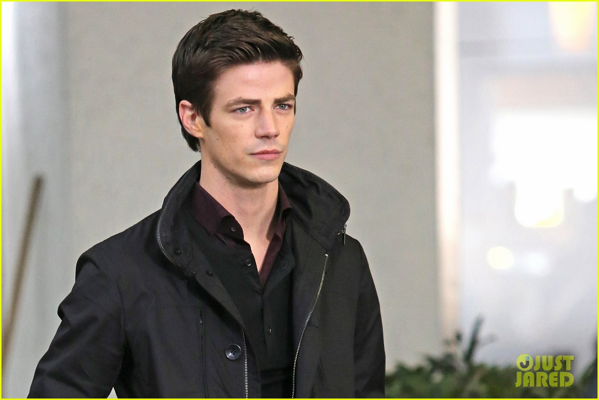 grant gustin begins filming the flash 113066483