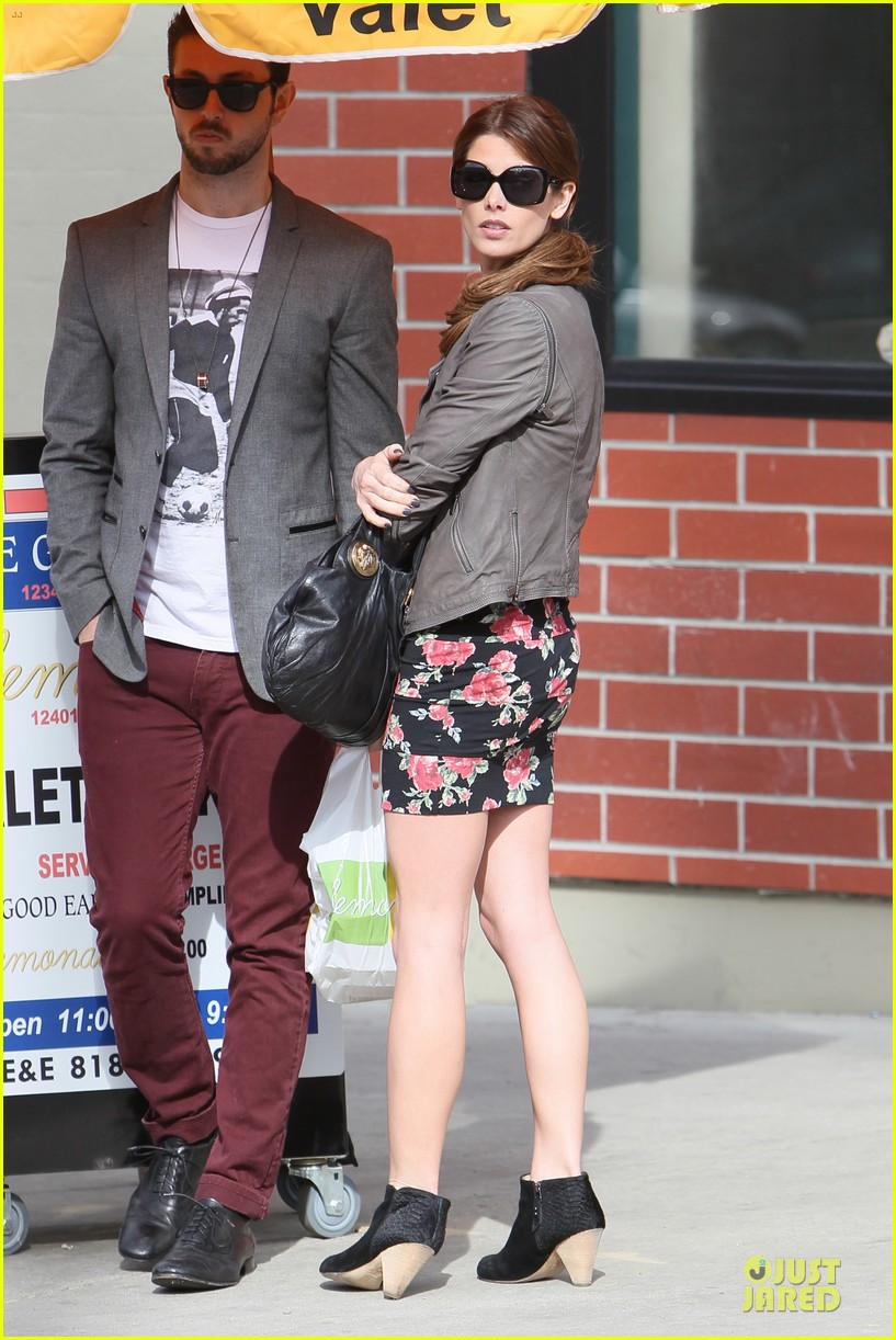 ashley greene paul khoury go in for a kiss after lunch 143066340