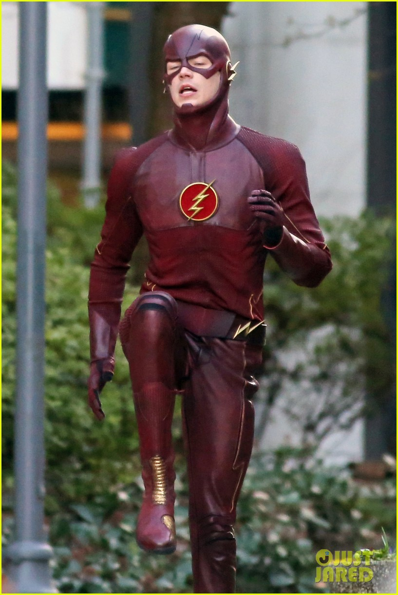 grant gustin flashes into action 113071217