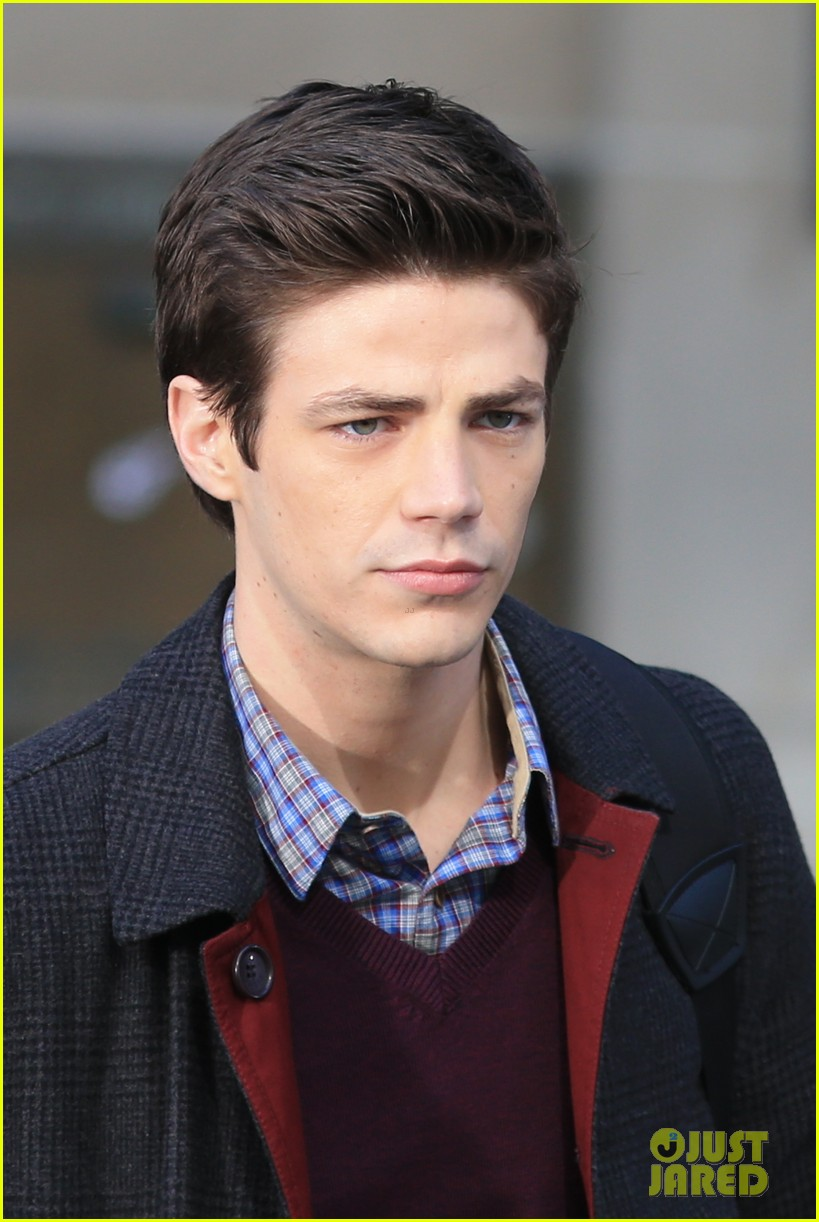 grant gustin flashes into action 153071221