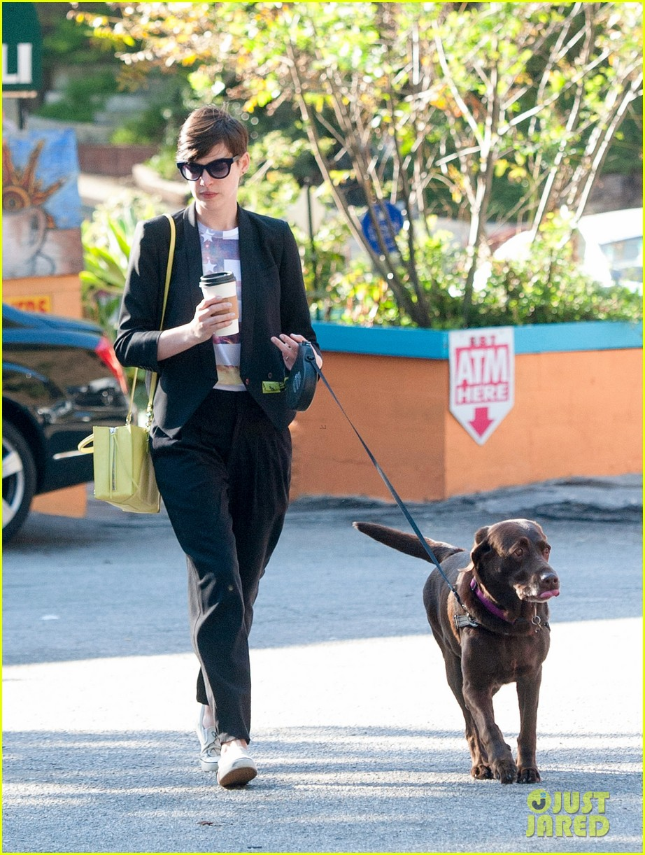 anne hathaway keeps busy in sunny los angeles 07