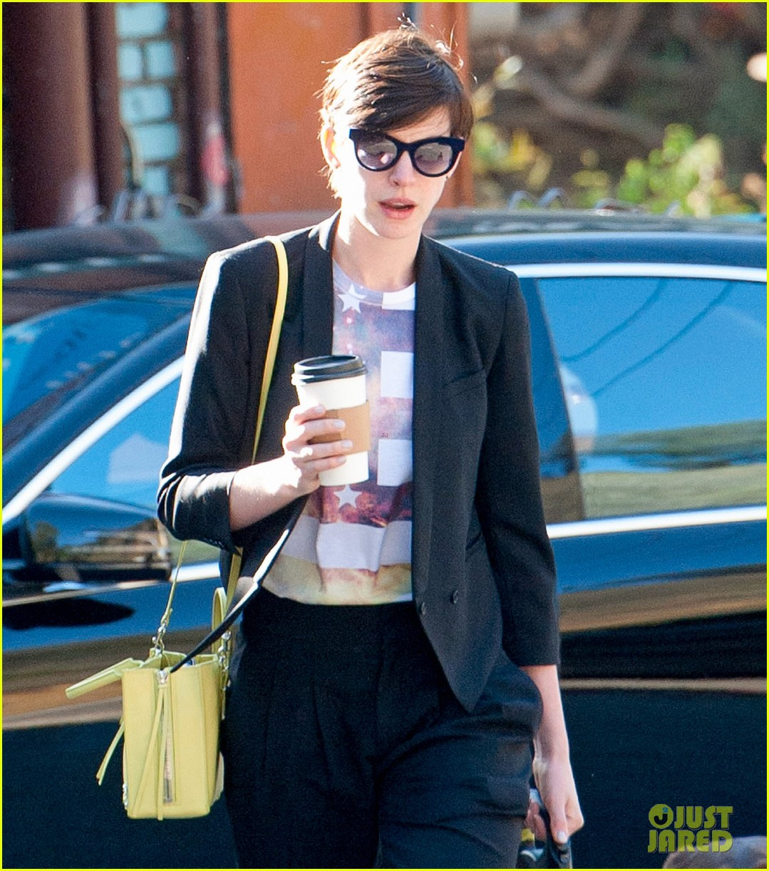 anne hathaway keeps busy in sunny los angeles 103071136