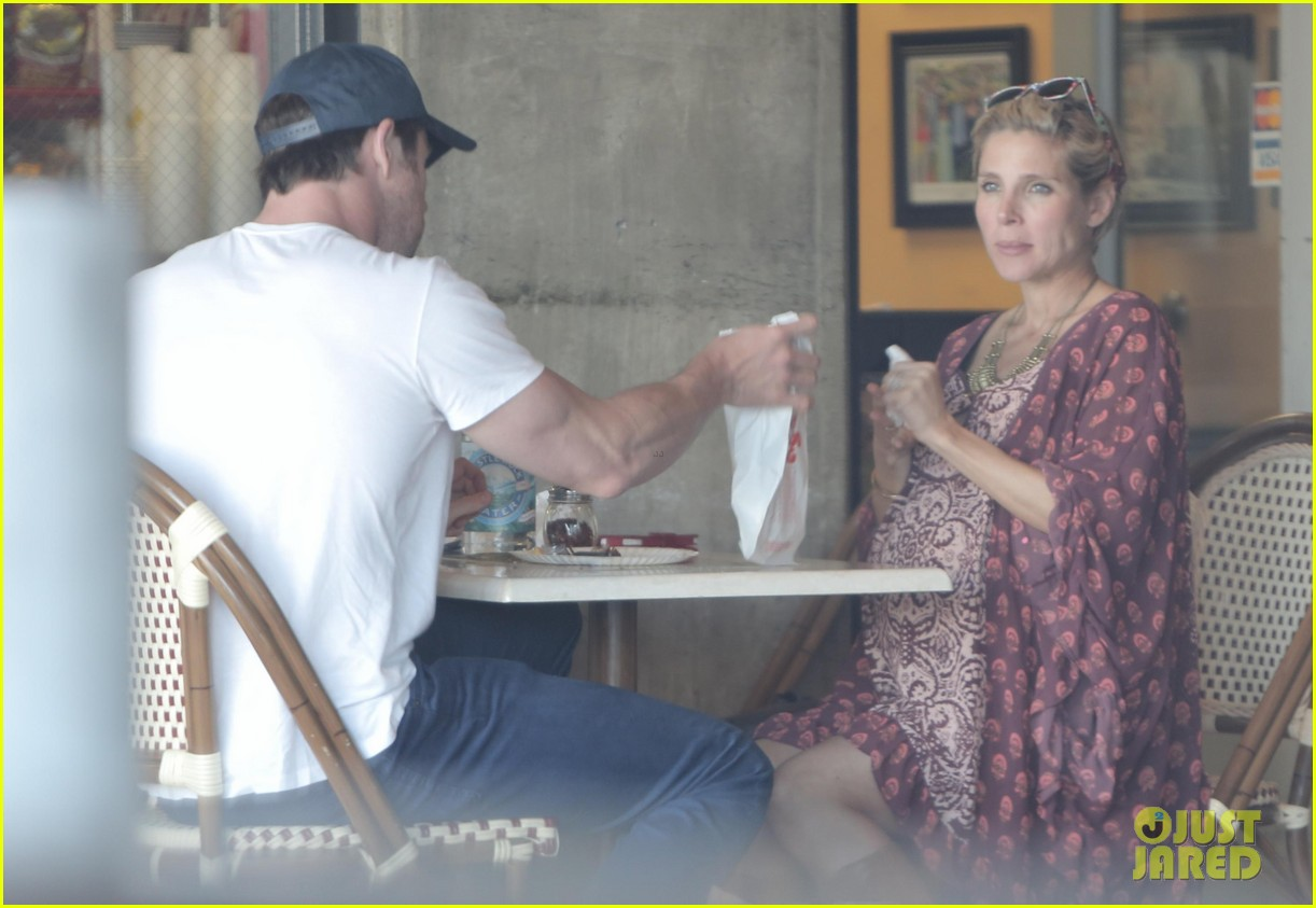 chris hemsworth elsa pataky enjoy lunch date 10