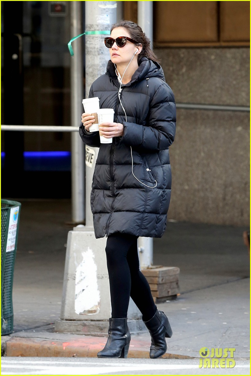 katie holmes new york has been very good to suri me 01