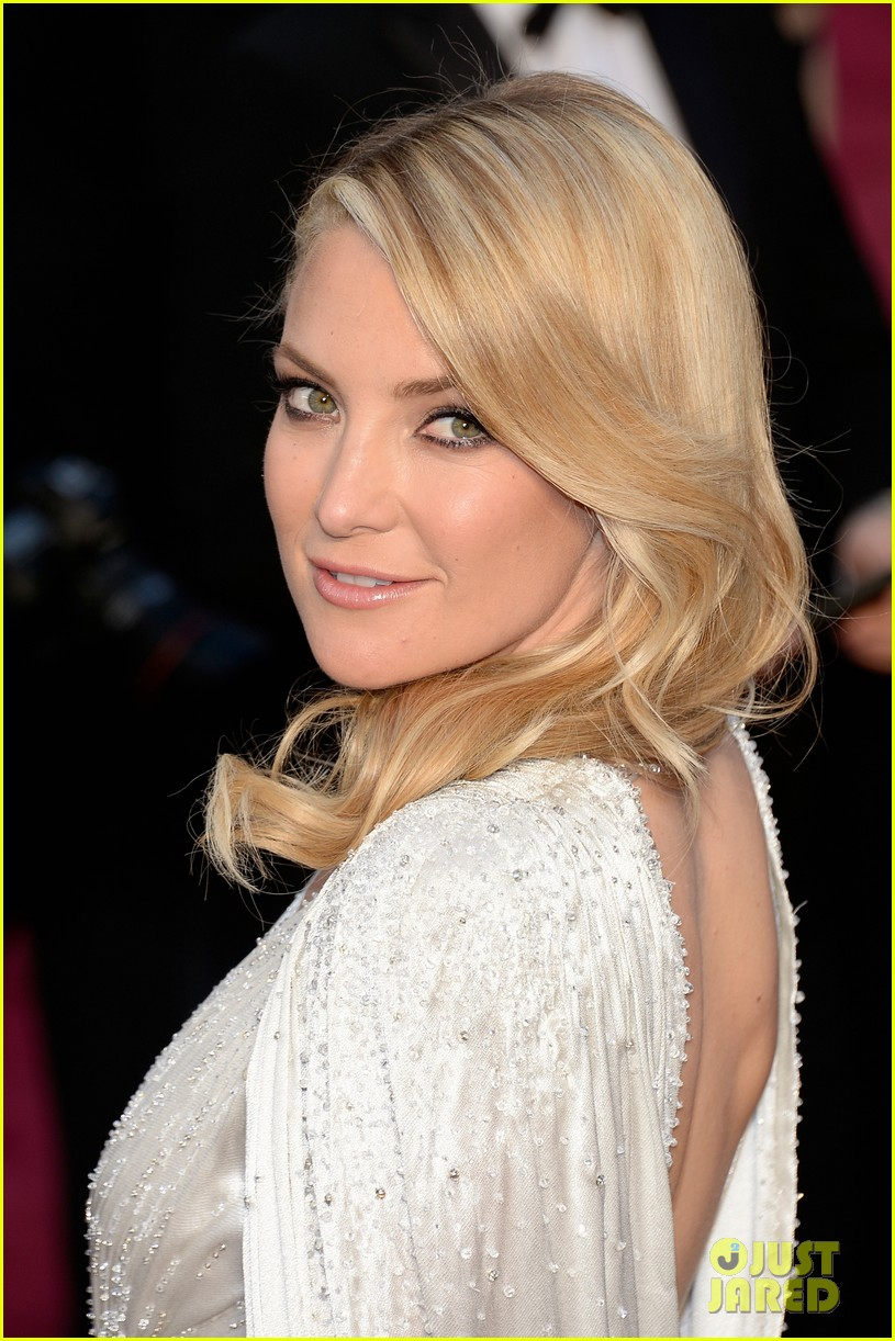 kate hudson oscars 2014 red carpet 033063943
