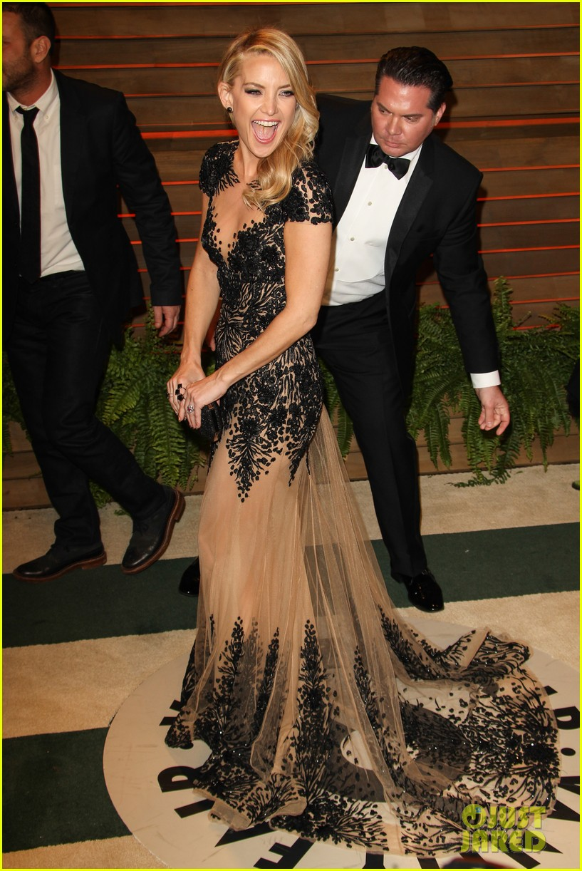Kate Hudson Changes Into New Dress For Vanity Fair Oscars Party 2014