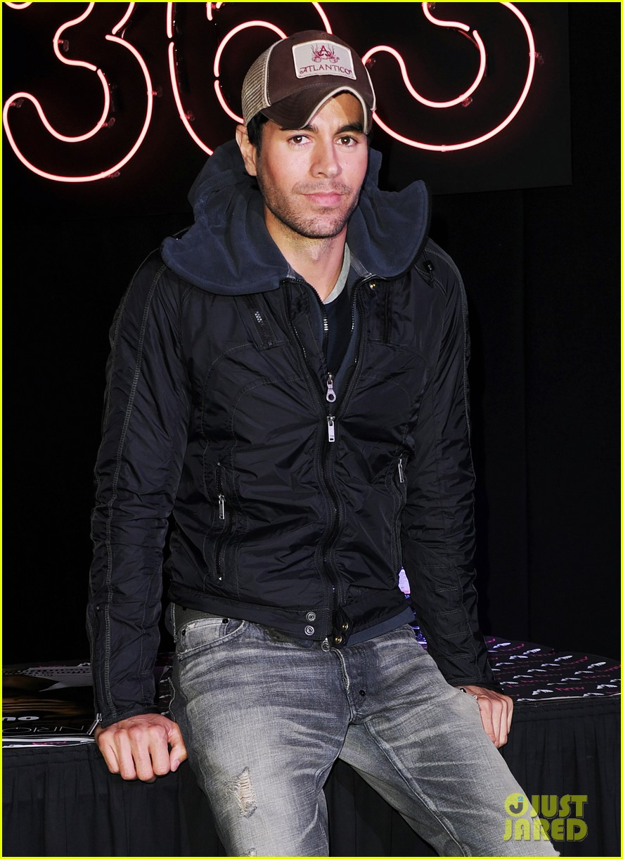 enrique iglesias explains how he avoided pitfalls in the business 05