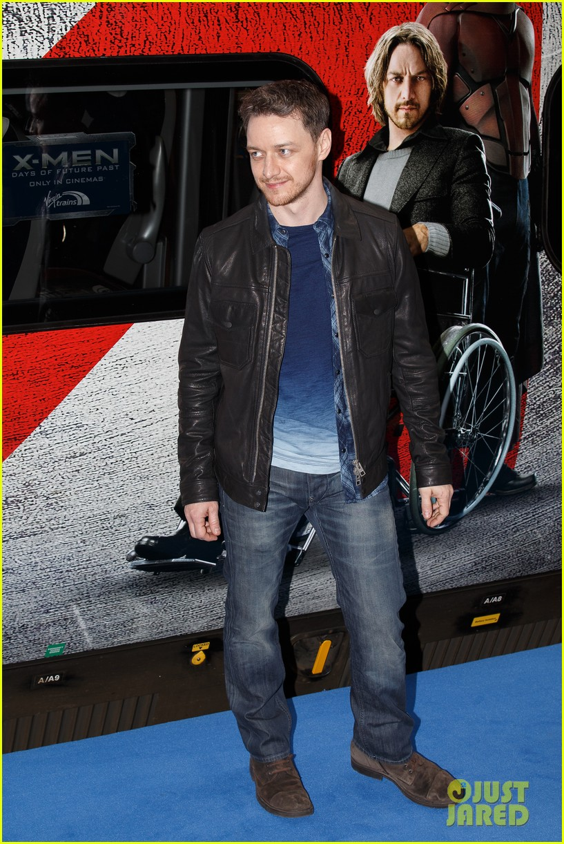 hugh jackman james mcavoy embrace bromance at x men days of future past train unveiling 06