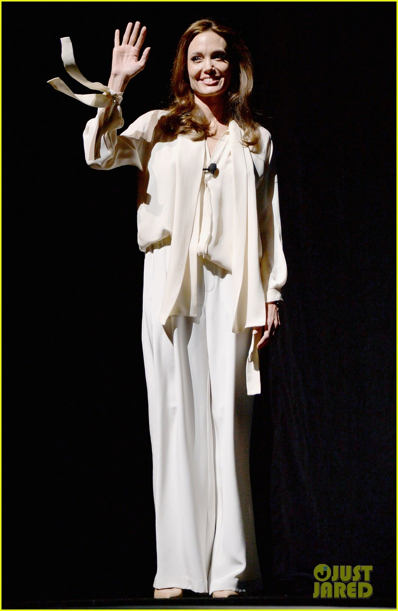 angelina jolie vision in white at cinema con 10