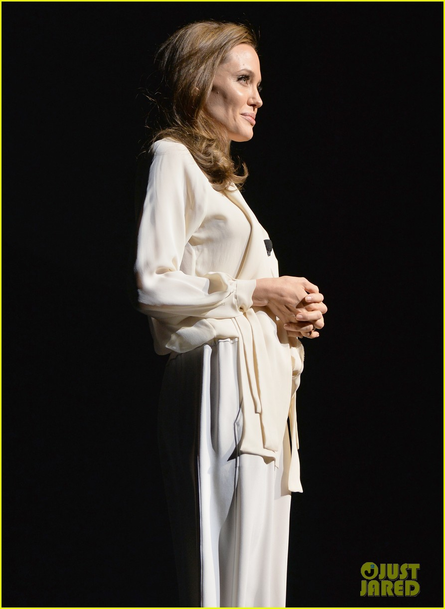angelina jolie vision in white at cinema con 12