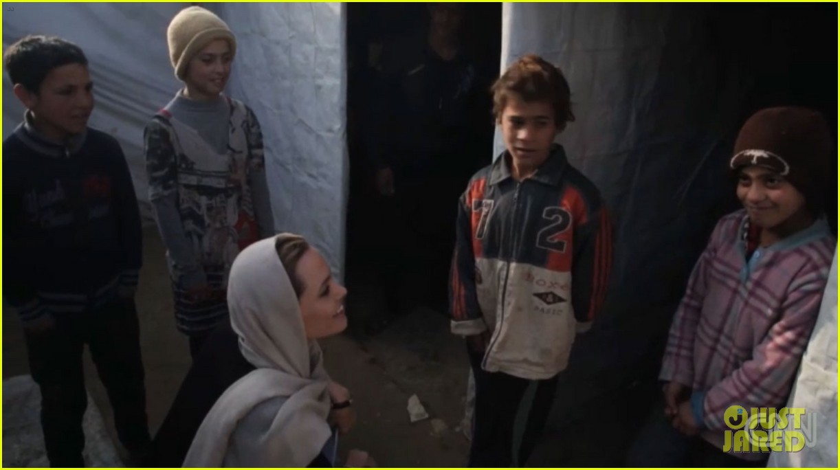 angelina jolie puts spotlight on syrian refugees in cnn report 02