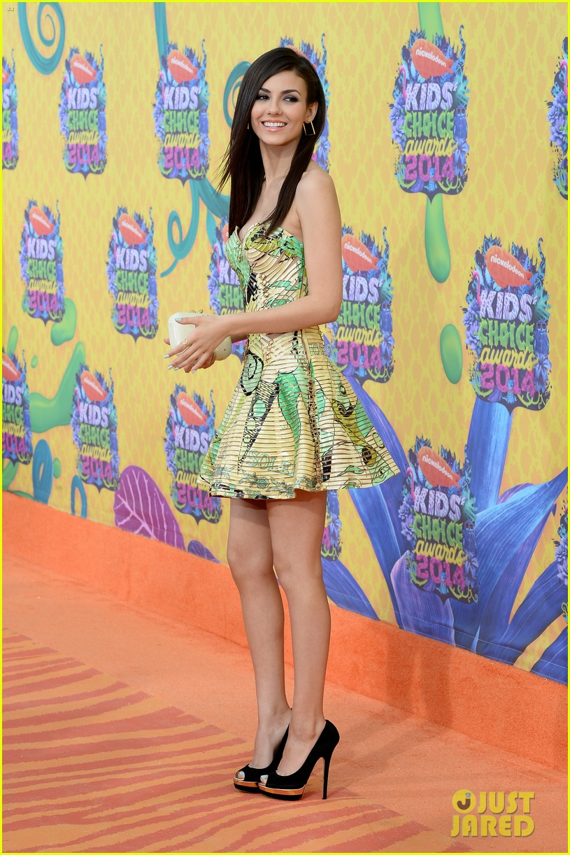 victoria justice zendaya kids choice awards 2014 07
