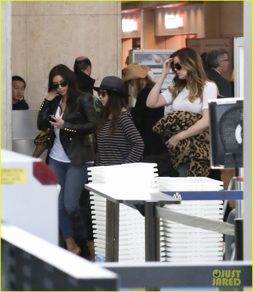 kim kourtney khloe kardashian back in los angeles after miami trip 193071382