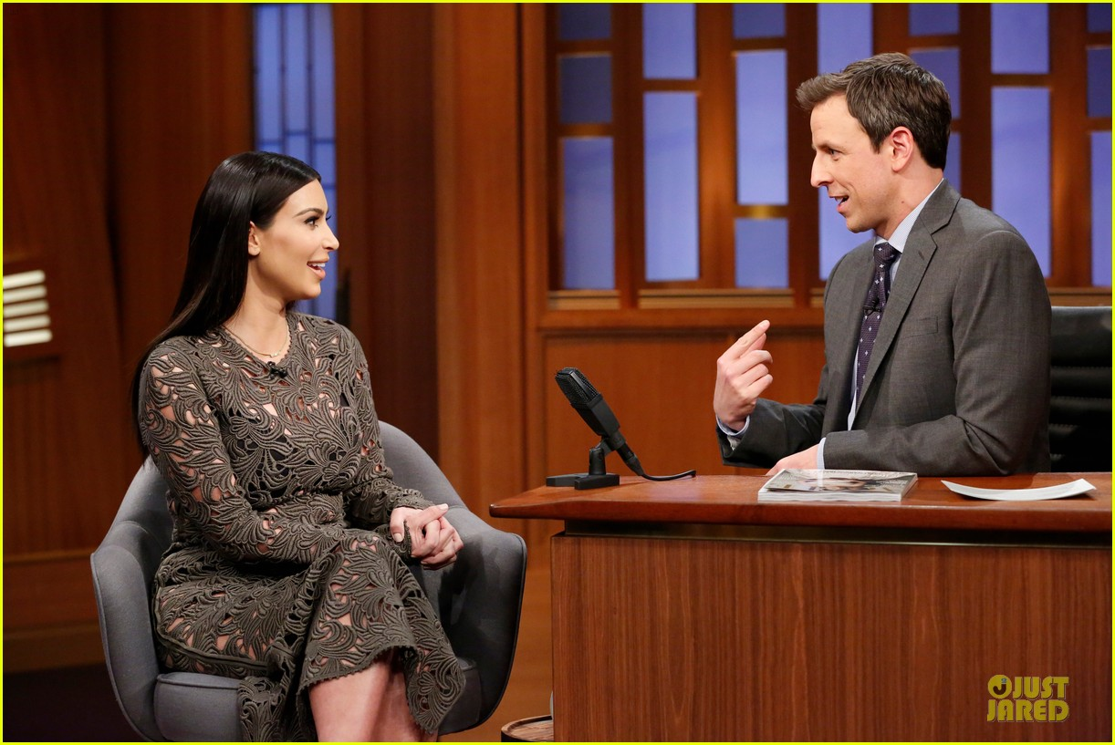 kim kardashian late night with seth meyers 02