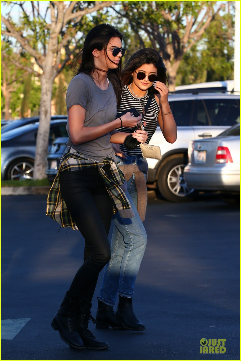 kendall kylie jenner meet up with super excited jaden smith 01