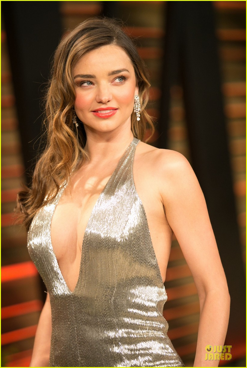 miranda kerr makes sexy entrance with plunging neckline at vanity fair oscars party 2014 073064428